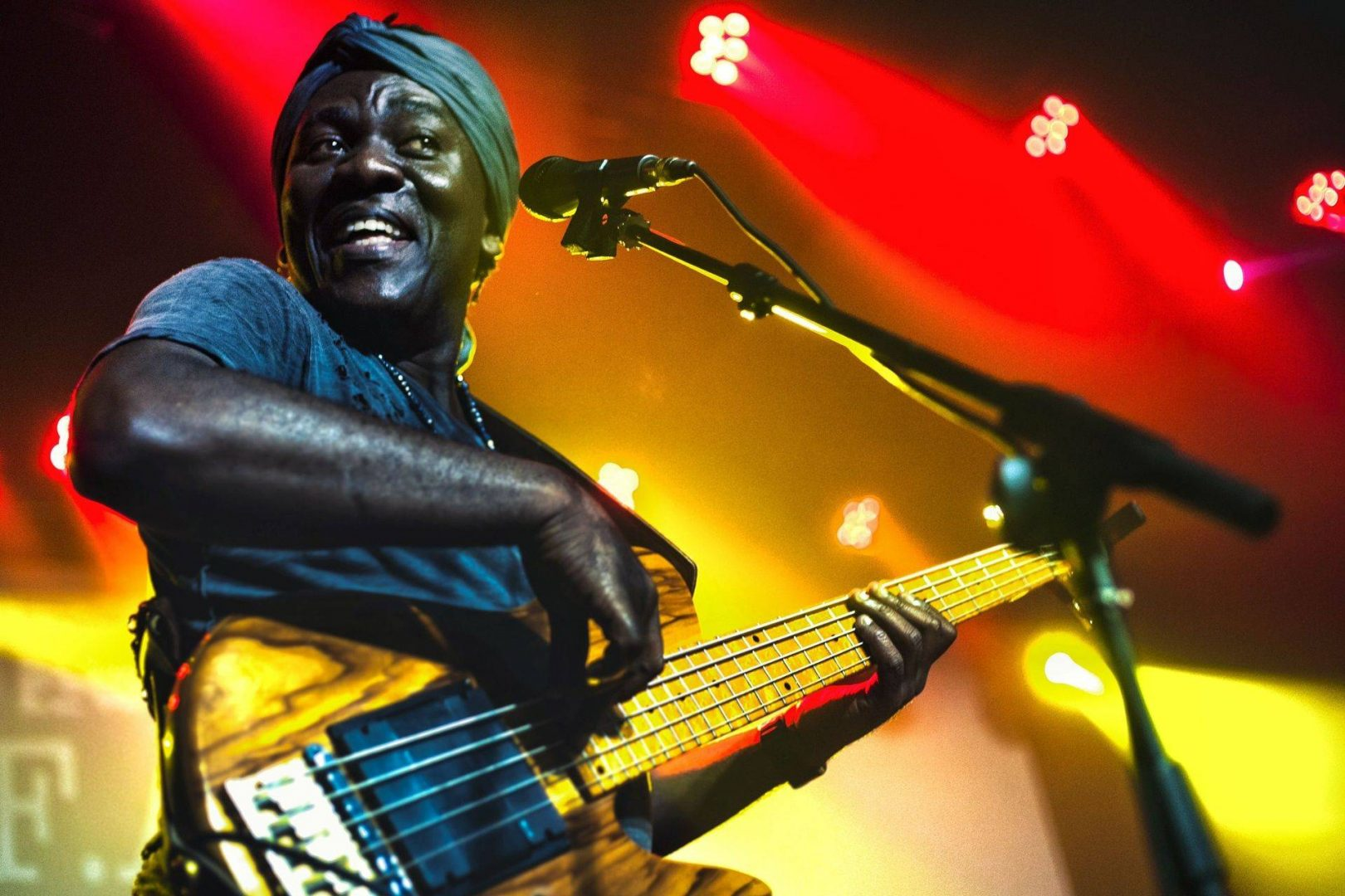 Richard Bona, FAC, April 29, 2017. Photo: Alejandro Calero.
