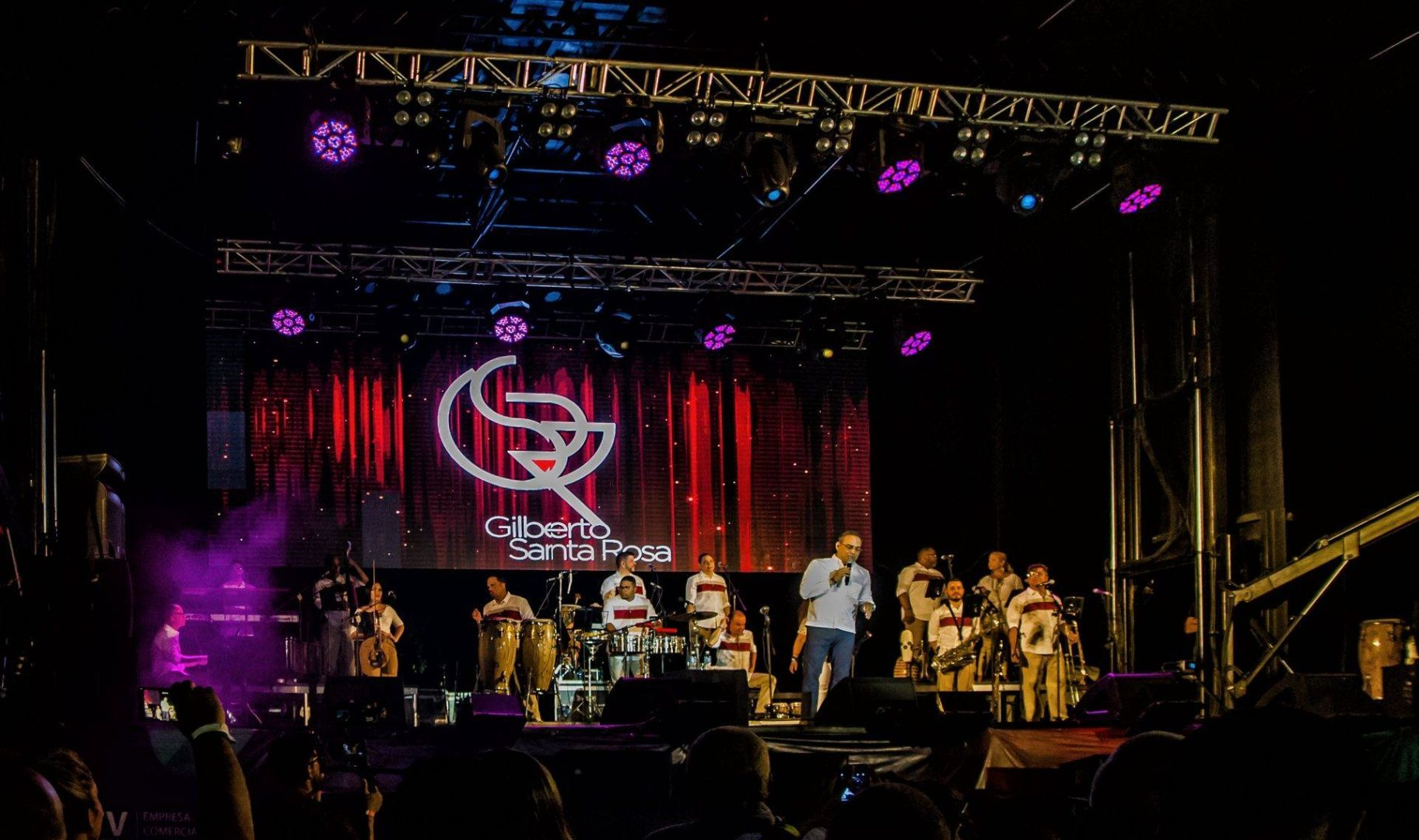 The Puerto Rican singer Gilberto Santa Rosa and his group play for the first time for a Cuban audience at the Varadero Josone Festival. Photo: Kako Escalona / Magazine AM: PM.