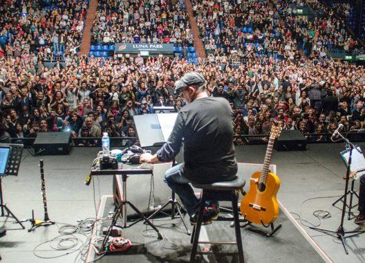 Concert by Silvio Rodríguez at Luna Park, Buenos Aires, Argentina, October 2018. Photo: Kaloian.