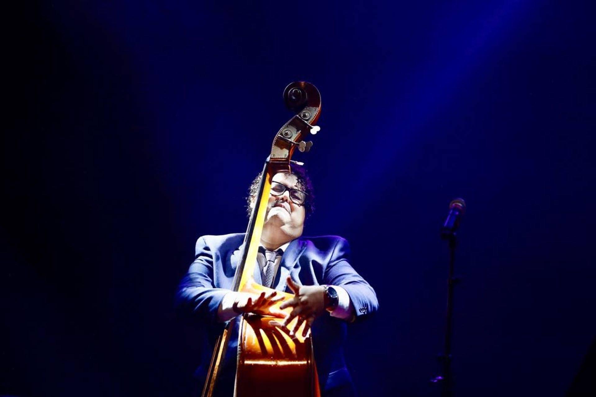 Gastón Joya en la sala Covarrubías del Teatro Nacional de Cuba, en el Festival Jazz Plaza 2019. Foto: Gabriel Guerra Bianchini.