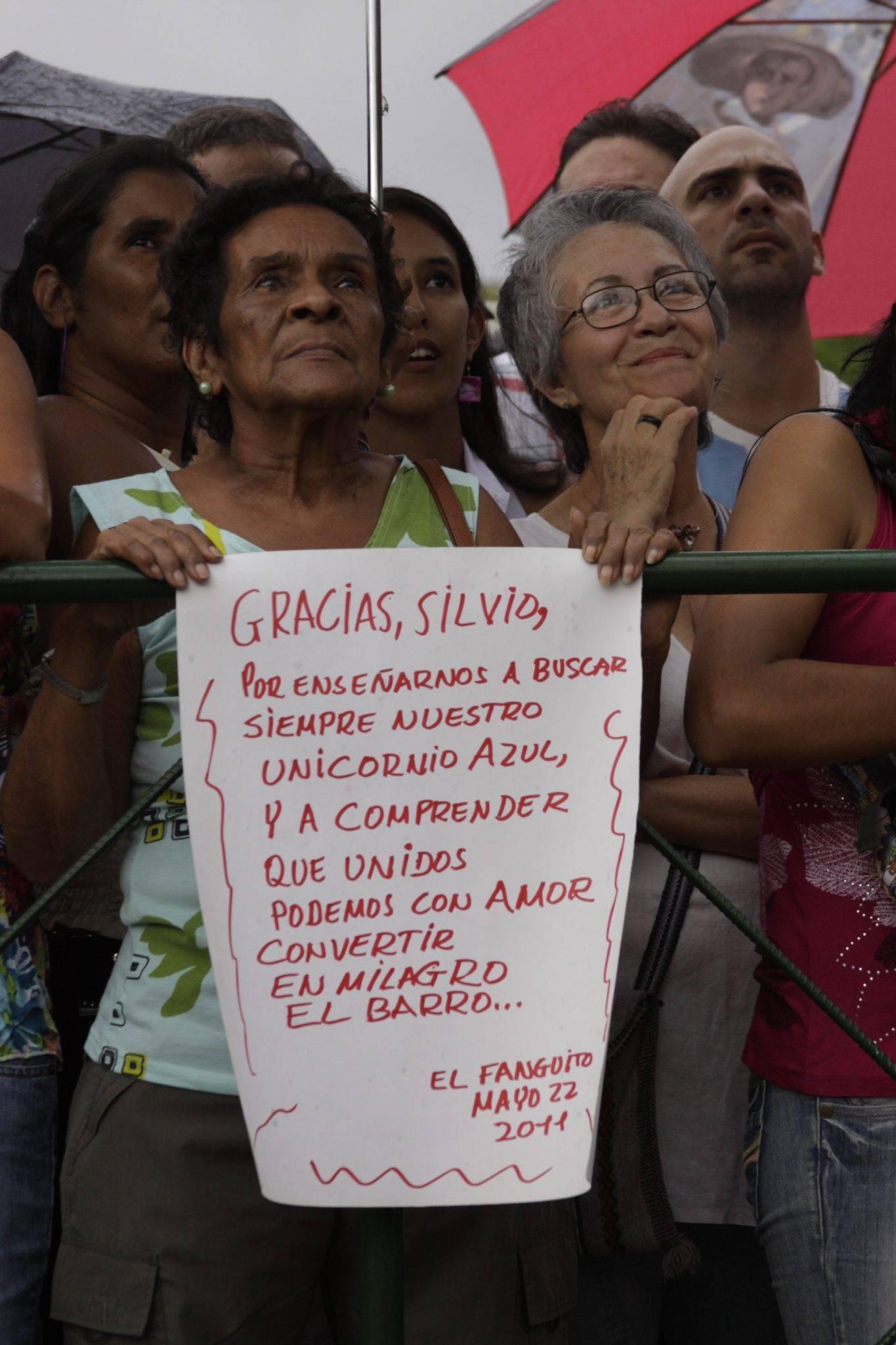 Concierto de Silvio Rodríguez en El Fanguito, Gira por los Barrios. Foto: Alejandro Ramírez Anderson.