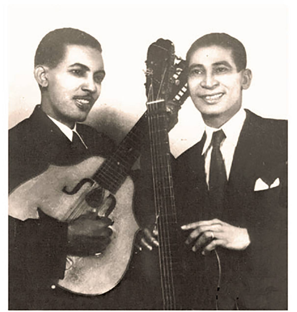 Francisco Repilado and Lorenzo Hierrezuelo, members of the legendary duo Los Compadres. Photo: Smoke Graphic.