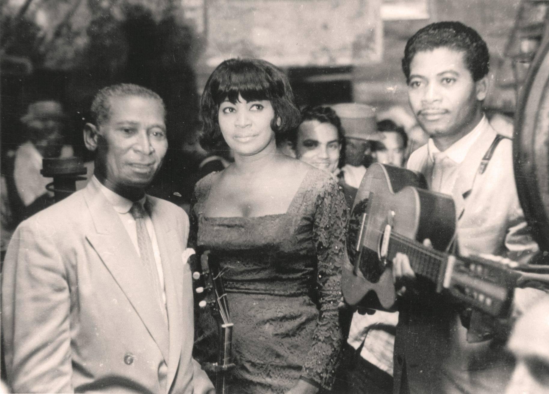 From left to right: Lorenzo, Caridad and Reinaldo Hierrezuelo. Photo: Smoke Graphic.