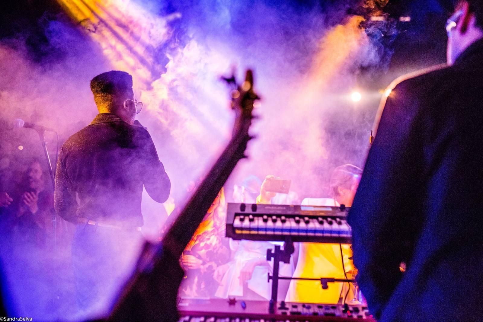 Cimafunk en LA, en su primera gira por Estados Unidos. Foto: Sandra Selva Photography.