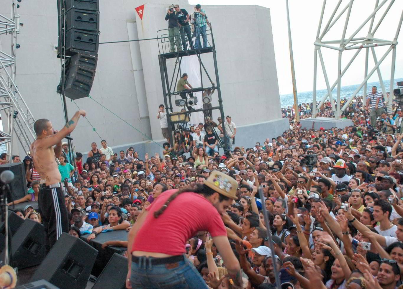 Concierto de Calle 13 en la Tribuna Antiimperialista José Martí, el 23 de marzo de 2010. Foto: Kaloian.