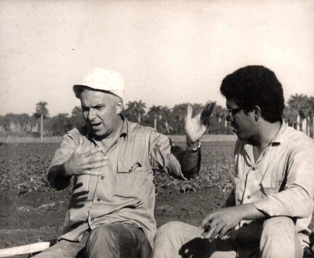 Santiago Álvarez junto a Pablo Milanés. Foto: Archivo Oficina Santiago Álvarez.