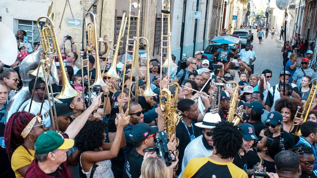 Second Line Conga, as part of the Getting Funky in Havana event, at the International Jazz Plaza Festival 2020. Photo: Rolo Cabrera / Magazine AM:PM.