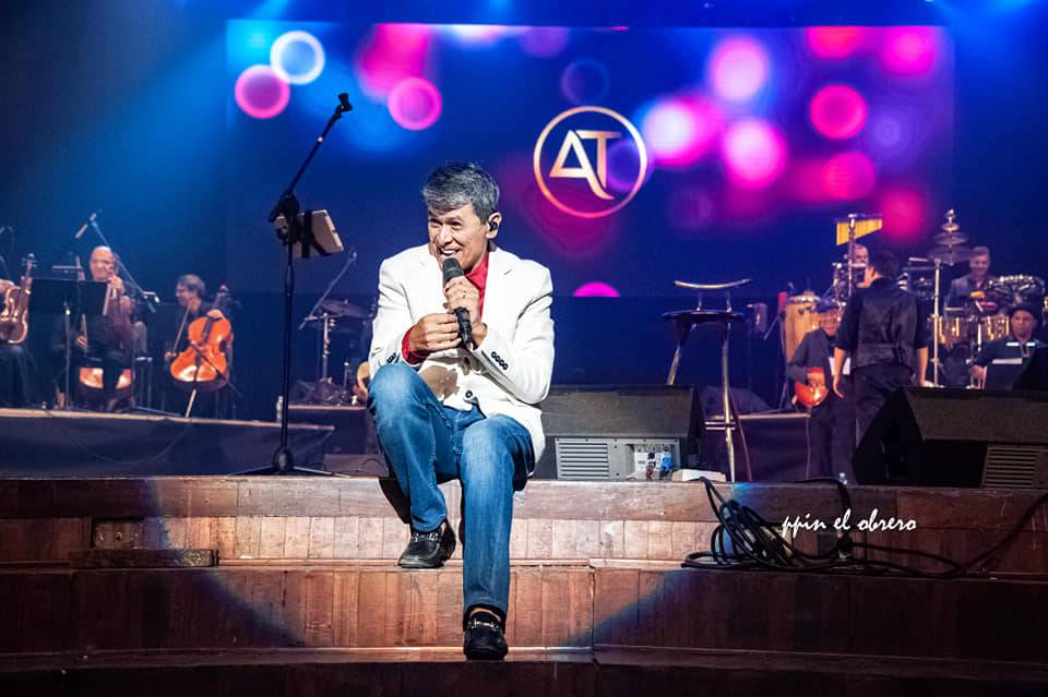 Álvaro Torres concert at the Karl Marx Theater, December 29, 2019. Photo Pepín el Obrero (José Antonio Medina)