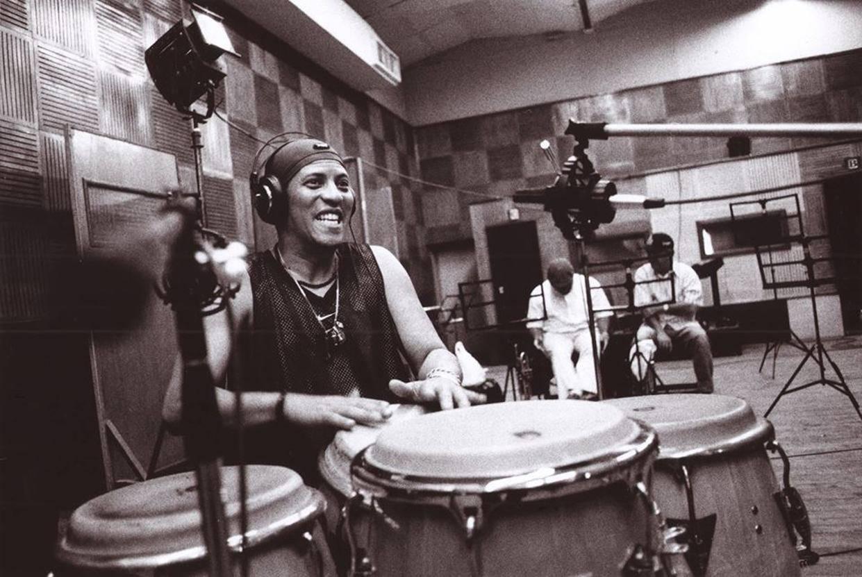 """El percusionista Miguel """"Anga"""" Díaz. Foto: Tomada de la página de Facebook de Buena Vista Social Club."""