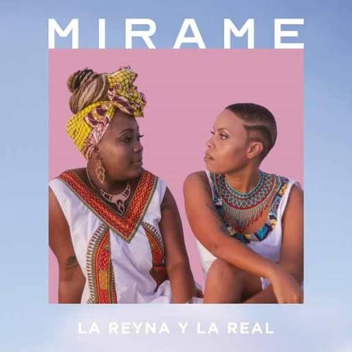 Portada del álbum Mírame, de La Reyna y la Real.