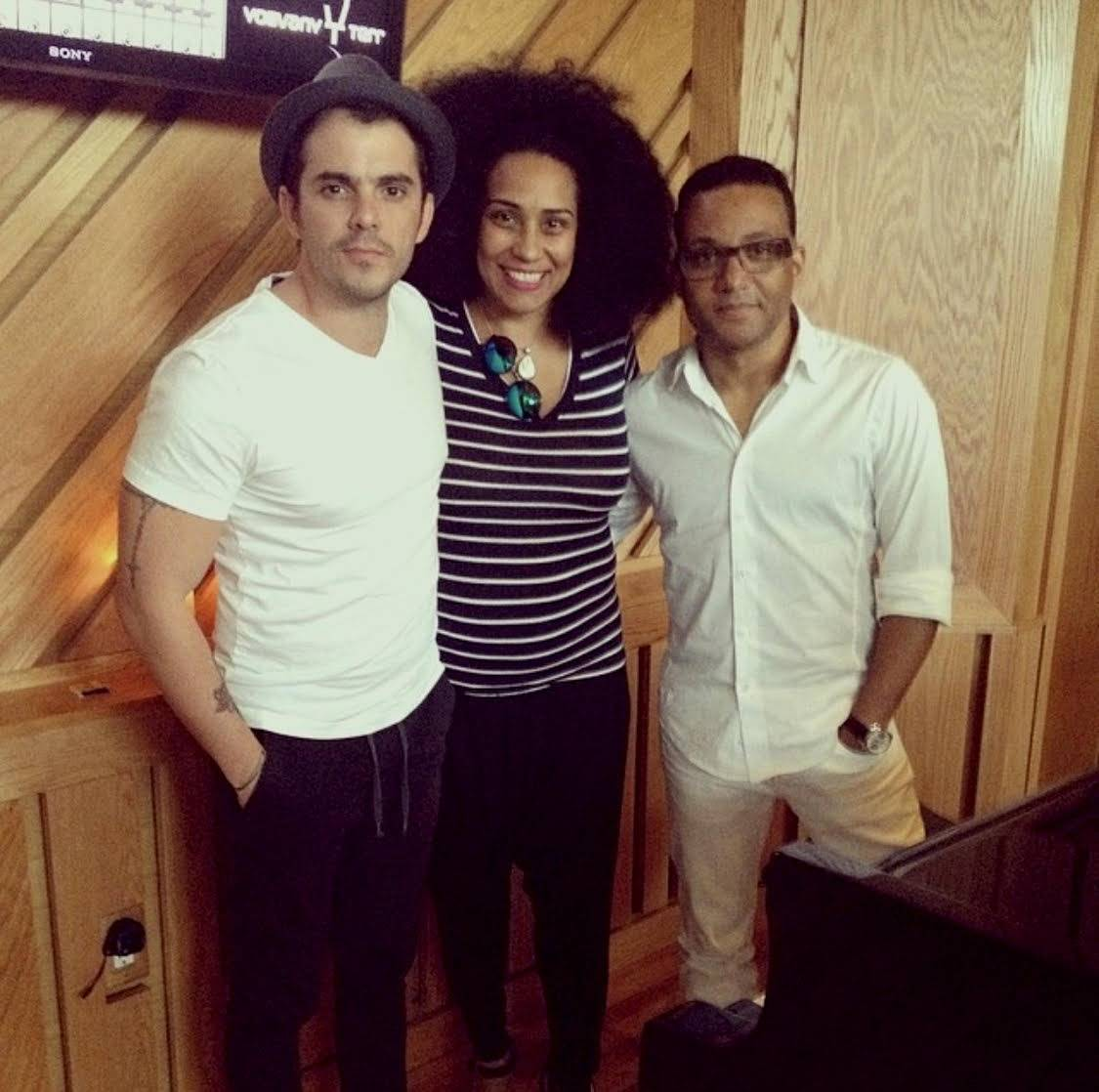 Pututi with Aymée Nuviola and Gonzalo Rubalcaba. Photo; Courtesy of the Interviewed